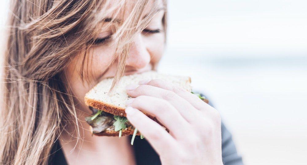 【パパ活】オンラインデートでも出前で同じご飯を食べるとデート気分…?!