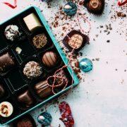 もうすぐバレンタイン…チョコがキライなパパ活男性にあげると「できるパパ活女子」と思われるバレンタインプレゼントとは?